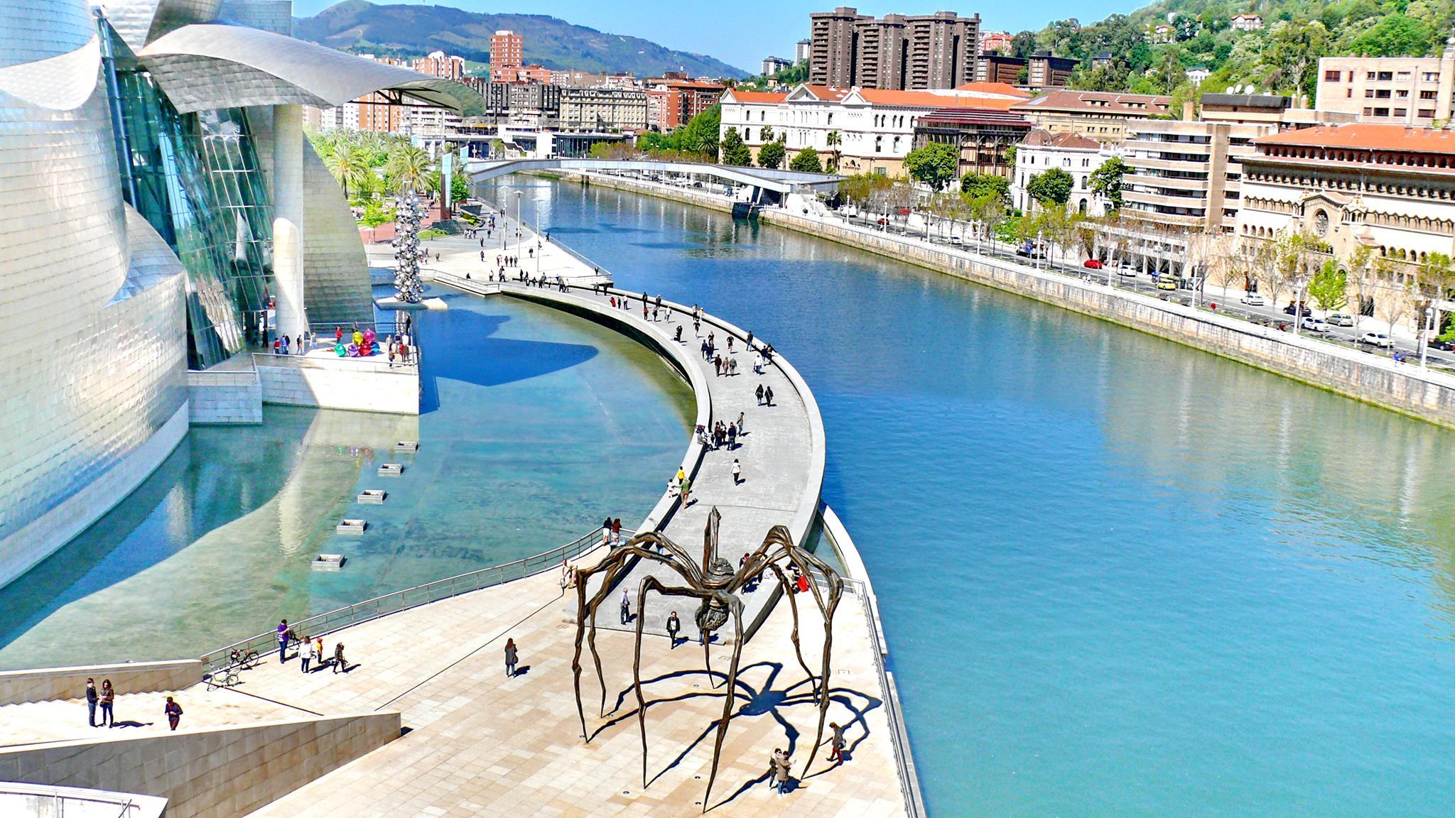ciudades del norte de España, Bilbao, museo Guggenheim Fotografía por Carlos Merino