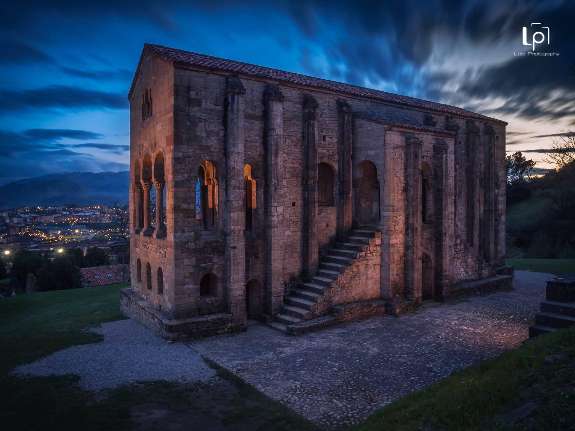ciudades del Norte de España, Oviedo, Santa María del Naranco Fotografía por Lois Rial