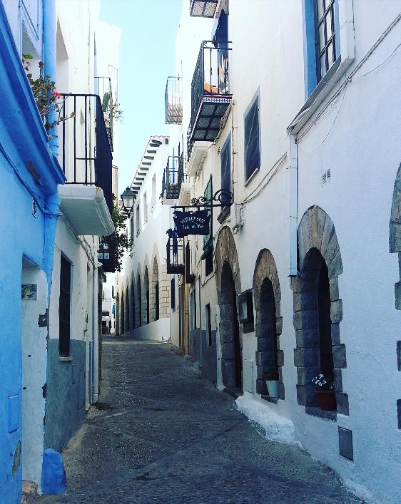 Conocemos mejor esta bella ciudad partida en dos partes, Peñiscola