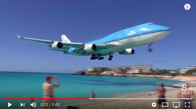 Un avión mata a una mujer en la playa del Caribe que esta junto al aeropuerto