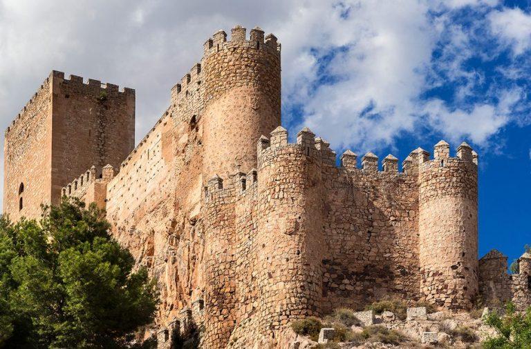 Uno de los castillos mejor conservados, el Castillo de Almansa