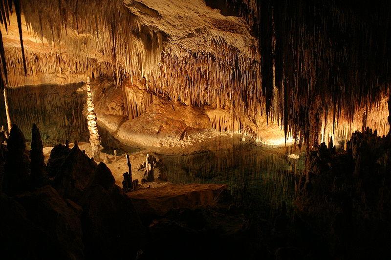 Las 8 Cuevas más bonitas de España