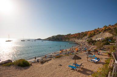 Disfruta de un plan perfecto en compañía y en la mejor isla, Ibiza
