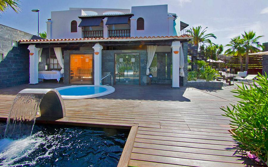 Disfruta plan perfecto en compañía mejor isla Ibiza